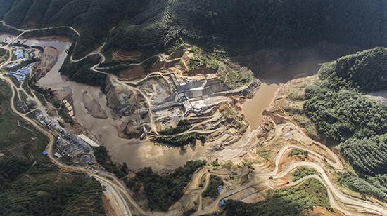 水电站全景。图片由吴迪调查拍摄并授权澎湃新闻使用
