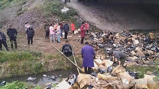村民顺走着火货车所载品牌鞋 交警发帖谴责(图)诏安何伟