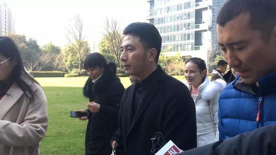 林生斌重回蓝色钱江小区。新京报记者王婧�t 摄