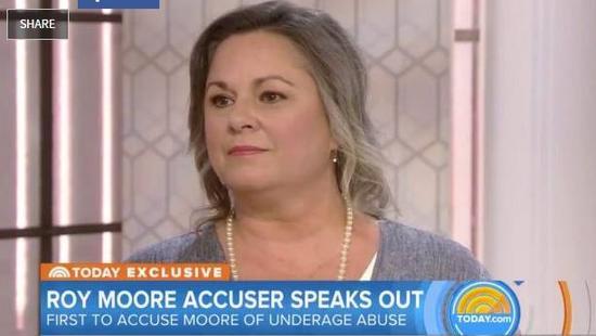 ▲控訴Roy Moore和14歲時的自己發生性關係的Leigh Corfman。圖據美聯社