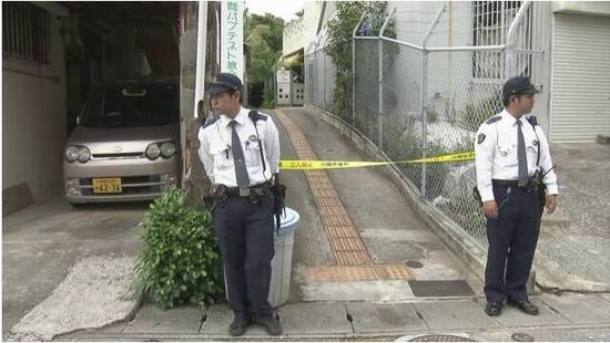 日本冲绳美军飞机掉落零件砸到幼儿园(图)伯寒