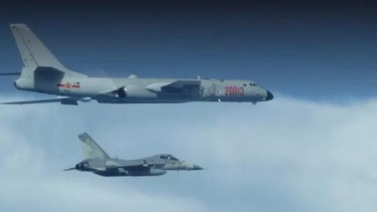 台战机拦截解放军军机 遭警告:立即离开后果自负(