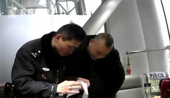 男子组织卖淫被查逃逸 民警一眼识破将其抓获(图)