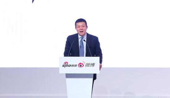 """加拿大总理访问新浪 为""""中加旅游年""""标志揭幕"""