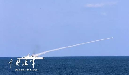 ▲到场审核舰艇发射导弹阻挡目的。