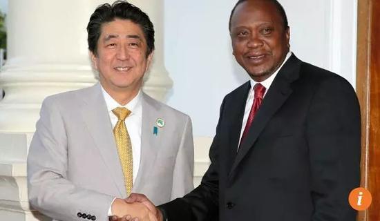 ▲质料图片:日本宰衡安倍晋三与肯尼亚总统乌胡鲁·肯雅塔(配合社)
