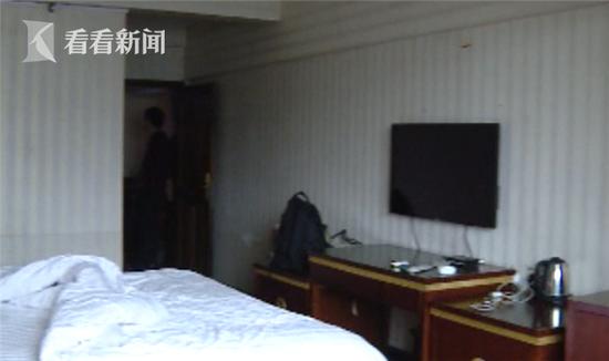 男子住宾馆床下窜出老鼠 索赔被要求证明是宾馆的郗俏岗