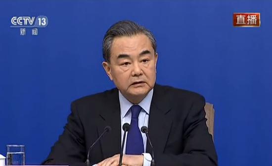 中方是否认为美方应该撤离驻韩美军? 王毅回应