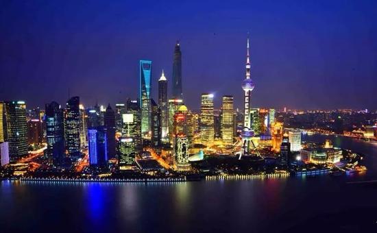 ▲上海浦东夜景  图片来源:新华社