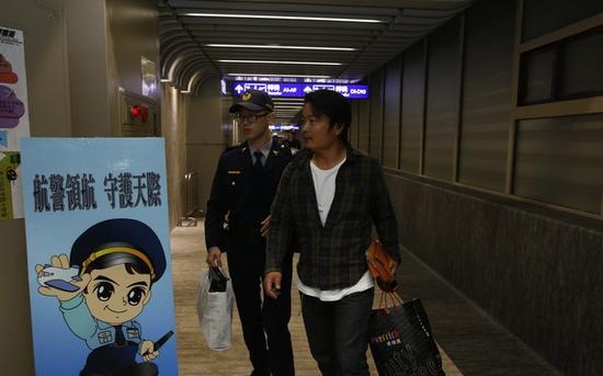 日籍男子企图在机上抽烟被制止(图源:台湾《自由时报》)