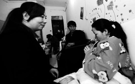 """失去母亲的女生患胃癌 当""""娘""""的嫂子借"""