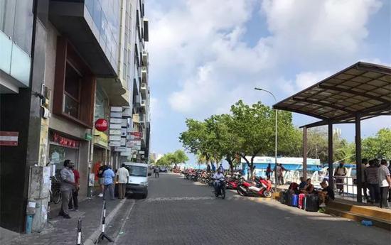图为3日拍摄的马累街头