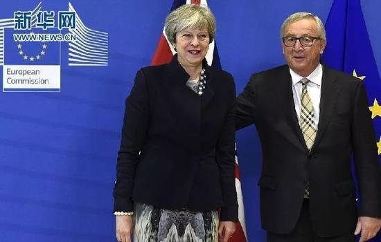 特雷莎·梅会晤欧盟委员会主席 为脱欧谈判寻求突破