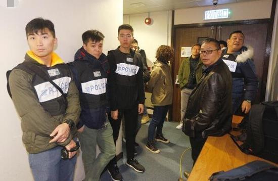 有警员到场处理。(图源:香港东网)