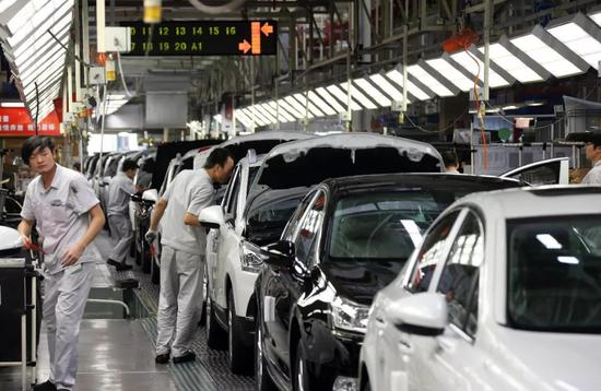 东风汽车集团的前身是三线企业十堰第二汽车制造厂。
