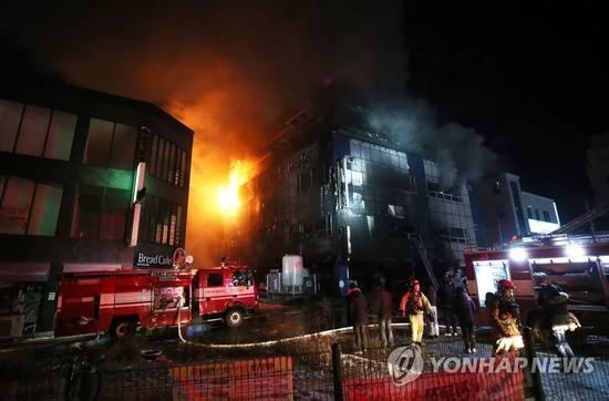去年12月发生在韩国堤川市的火灾