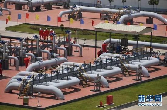 ▲资料图片:2017年5月16日,中缅原油管道原油正式由云南瑞丽进入中国。