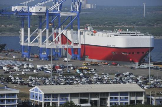 材料图:斯里兰卡汉班托塔港。新华社记者杨梅菊摄
