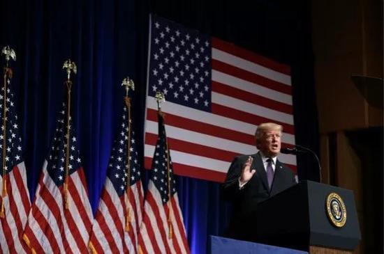 2017年12月18日,特朗普就發布國家安全戰略發表講話。新華社/美聯