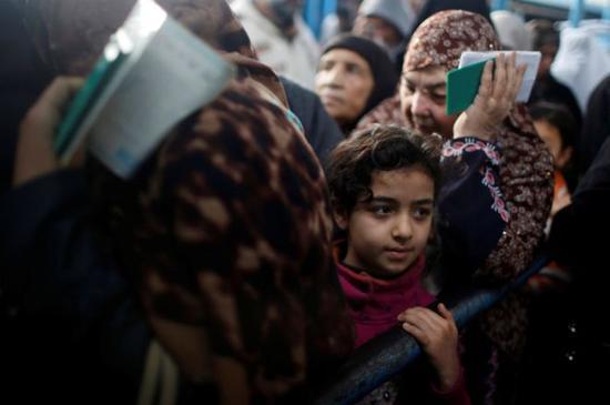 巴勒斯坦难民。来源:路透社