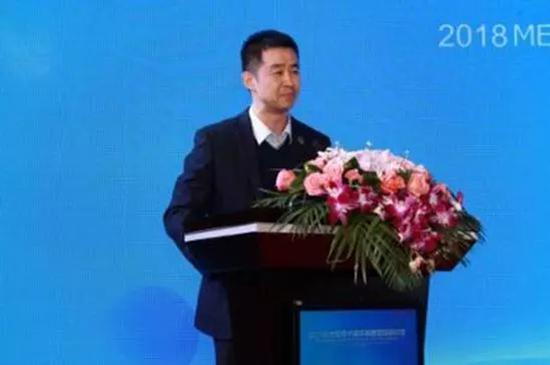 中国航天员代表陈冬致辞。