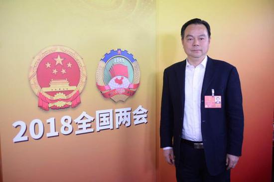 天下人年夜代表、上海社会迷信院副院长张兆安。磅礴消息记者 韦毅 图