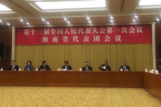 3月6日下午,十三届全国人大一次会议海南省代表团团组开放。