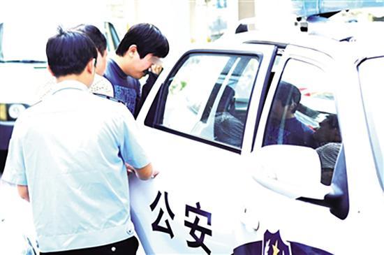 嫌疑人唐×洲被警方刑事拘留。 南国都市报 图