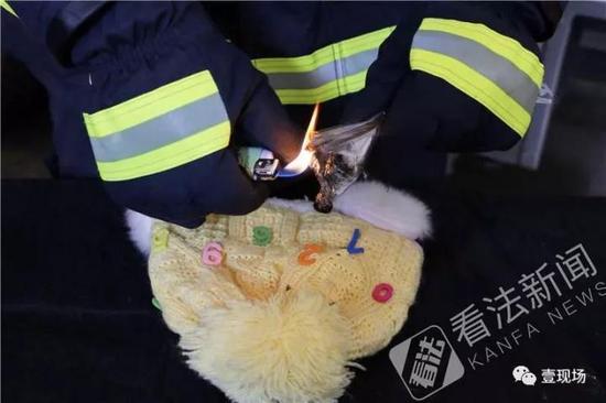 火遍朋友圈的网红气球安全性低 可烫穿帽子济南刁三