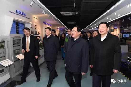 上海代表团在江苏