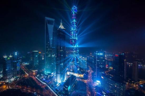 ▲上海陆家嘴金融区夜景