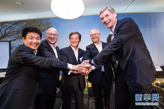 ▲资料图片:2017年6月27日,中国化工集团公司在瑞士巴塞尔宣布,完成对瑞士农业化学和种子公司先正达的收购。
