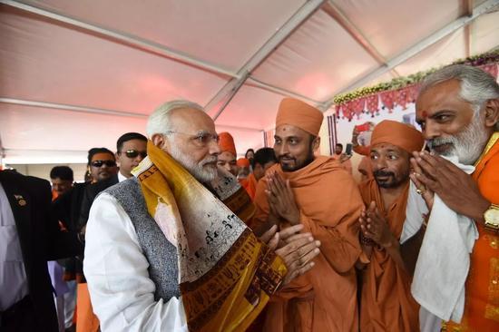 ▲2017年12月26日,莫迪在古吉拉特邦参加新一届政府机构人员宣誓就职仪式。