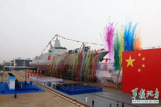 ▲资料图片:2017年6月28日上午,055型驱逐舰下水仪式在上海江南造船(集团)有限责任公司举行。