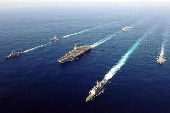 ▲资料图片:辽宁舰组建航母编队开赴南海开展训练。