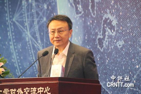 北京大学国际关系学院院长、教授贾庆国