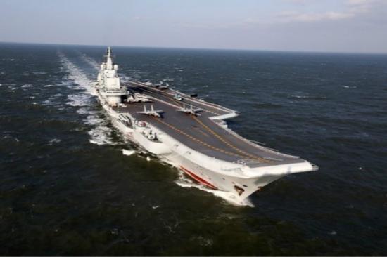 """台防务部门称,辽宁舰16日凌晨进入台湾所谓的""""防空识别区""""。(图片来源:台湾《联合报》)"""