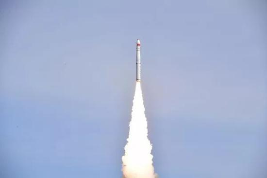 """▲1月19日12时12分,长征十一号固体运载火箭在酒泉卫星发射中心圆满完成""""一箭六星""""发射任务。"""