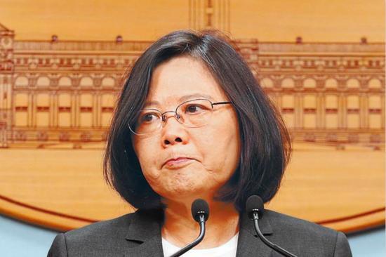 """民进党派系陷入""""大乱斗"""",蔡英文避而不谈。(图片来源:台湾《中时电子报》)"""