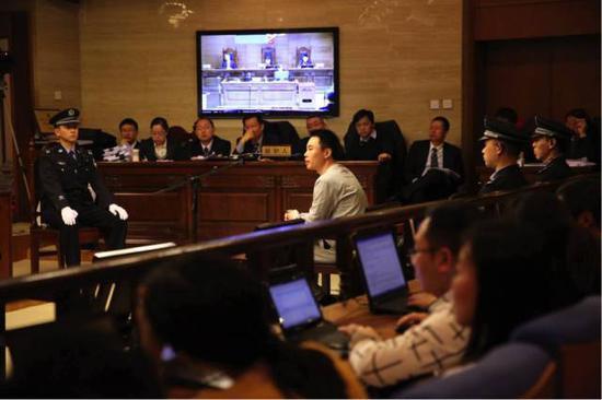 ▲快播涉黄案庭审现场。新京报记者 李飞 摄
