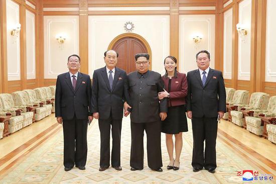 金正恩听取朝鲜高级别代表团访韩汇报