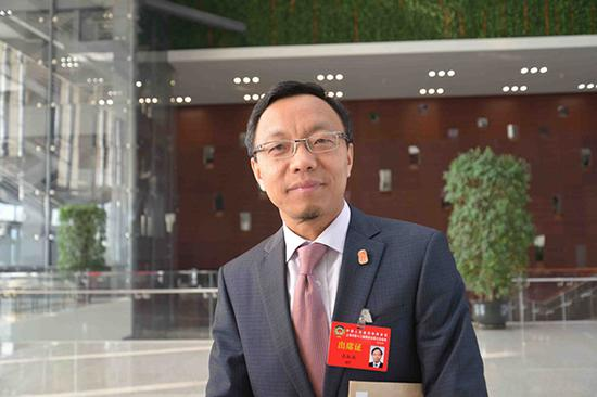全国政协委员、全国律协副会长吕红兵。 人民网 资料图