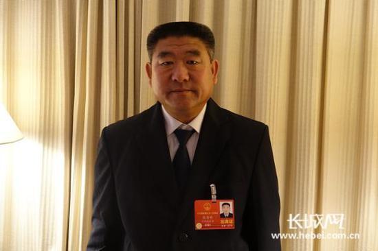 全国人大代表、河北省曲周县华捷公司爱心车队成员张青彬 长城网 图