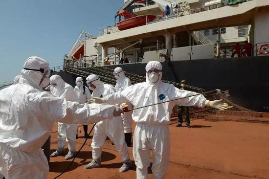 ▲疫情防控應急處置演練。 圖片來源:新華社