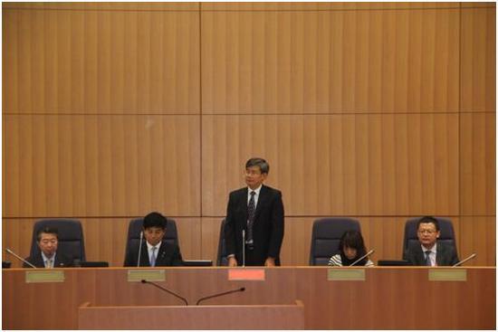 代表团团长、中国公共外交协会副会长龚建忠大使致辞。