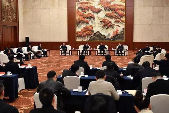 1月12日,长江三角洲地区主要领导座谈会在苏州举行。