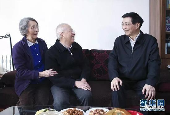 王沪宁在陈佳洱家中