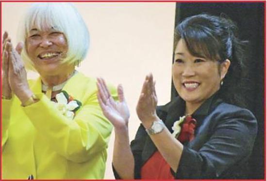 华裔刘丽莎(Lisa Lau Normandy)(右)宣誓上任南旧金山市长,日裔松本为副市长,创下该市两重要职位均为亚裔妇女的新记录。