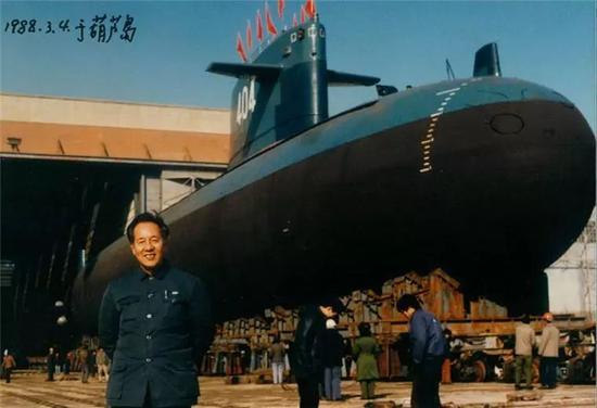△黄旭华在葫芦岛试验基地(1988年3月4日摄)