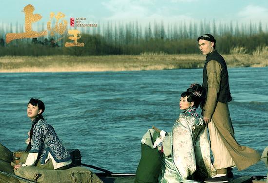 胡雪桦导演的《上海王》,讲述了1920年代上海滩的黑帮角逐。电影改编自女作家虹影的小说。
